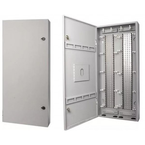 Connection Box 520 c 2 монтажными хомутами по 34 LSA-PLUS модуля (680 пар) 6428 2 424-00
